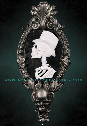 Gothic Victorian Gent Cameo (Silver)